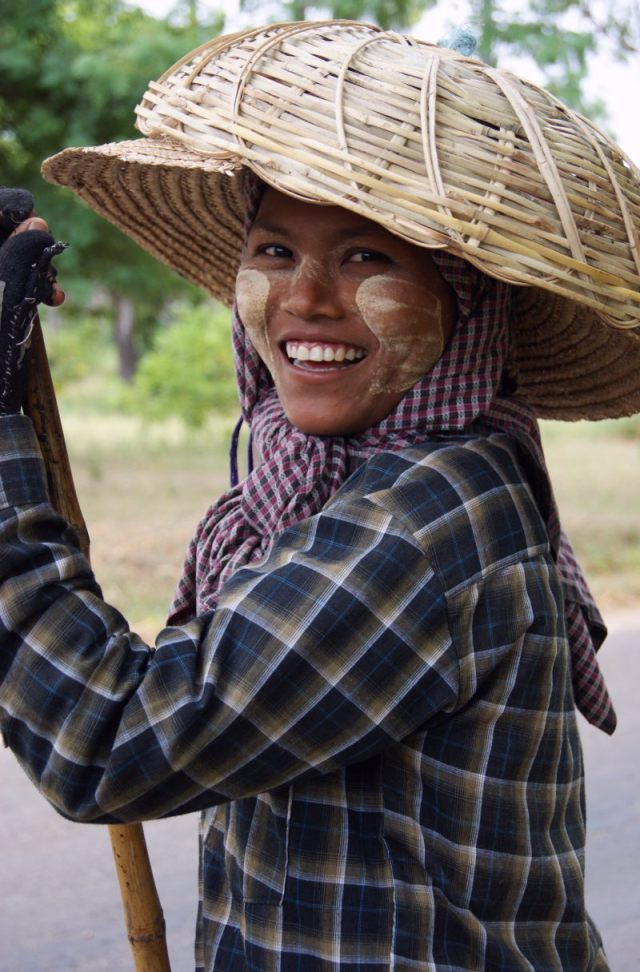 Burmese girl roadworker